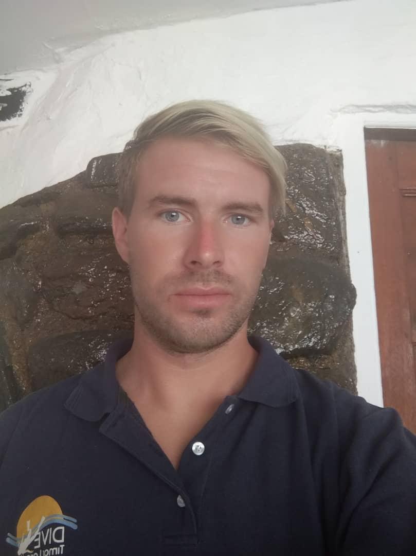 Chris Andersson (Swedish)