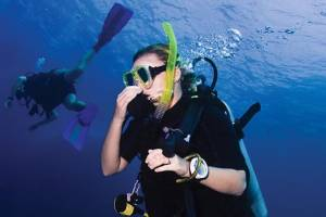 equalize your ears while diving